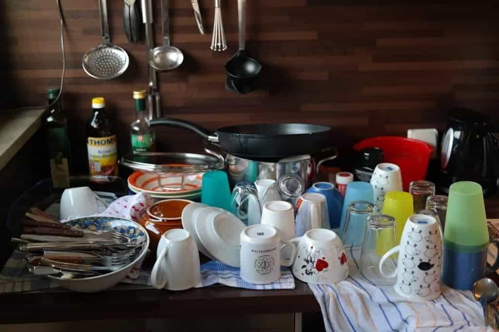Afwas torenhoog