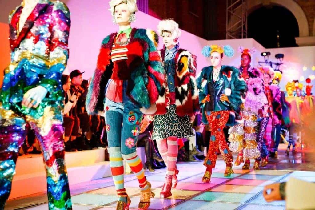 Kleurrijke kleding
