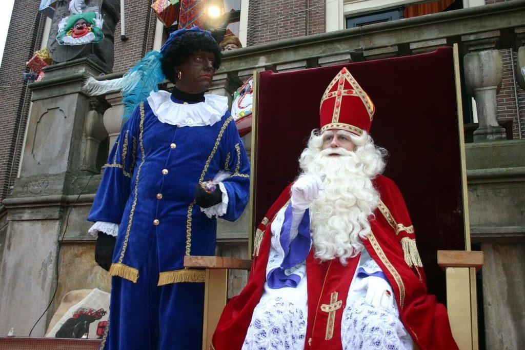 Sinterklaas op zijn paasbest