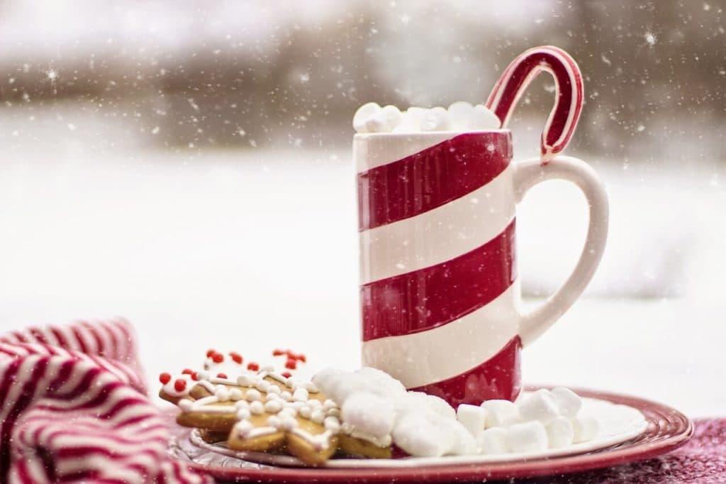 Warme chocolademelk met drank