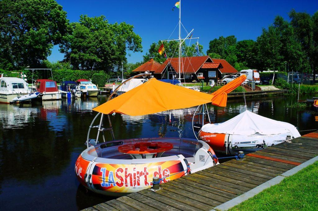 Personeelsfeest organiseren? Een partyboot is leuk!