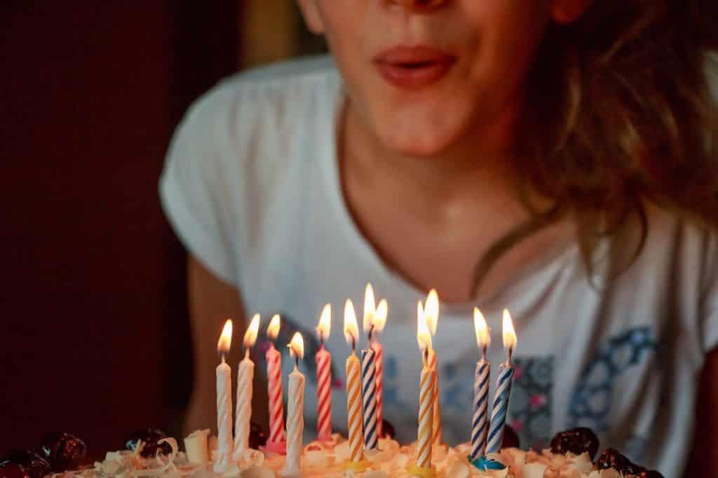 Bedwelming Zo organiseer je een 'ik ben 40 jaar feest', een knalfuif om niet &GH35