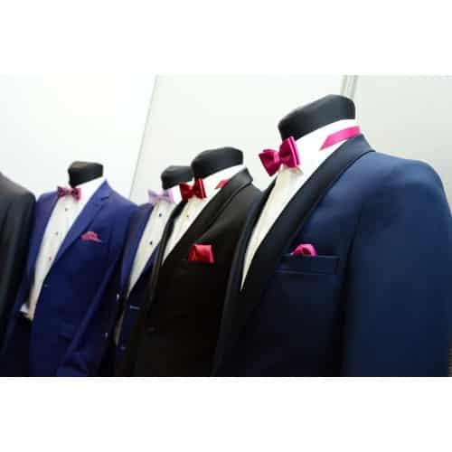 Wat voor kleding moet ik aan naar een huwelijksfeest?
