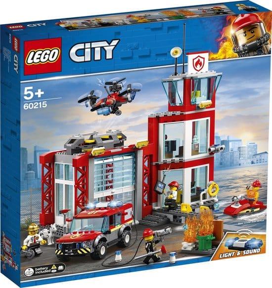 Brandweerkazerne gemaakt van Lego