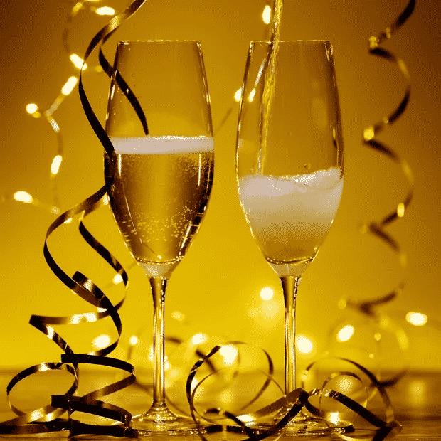 uitnodiging met een champagne afbeelding