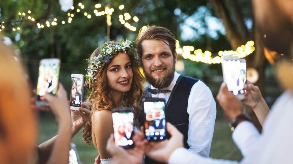 Even iets om over na te denken: Mogen je bruiloftsgasten foto's maken?